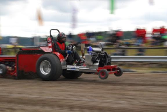 traktorpulling hörby 2016